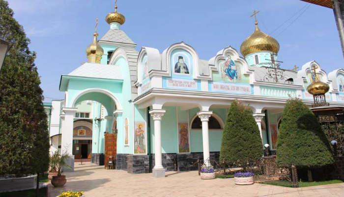 Женский монастырь в Такенте