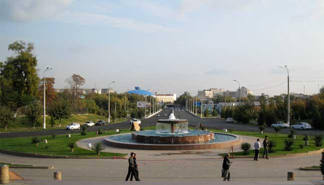 площадь Хадра в Ташкенте