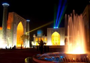 подсветка в Регистане самарканд