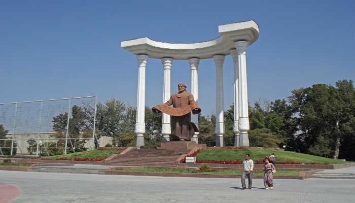 памятник в Фергане