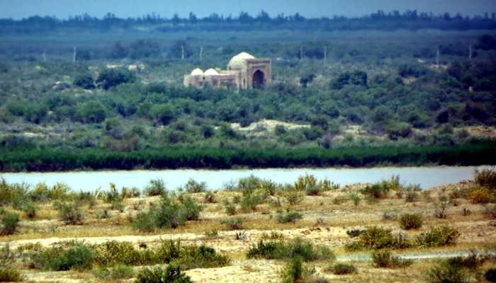 Мавзолей Зул-Кифль на острове Арал-Пайгамбар