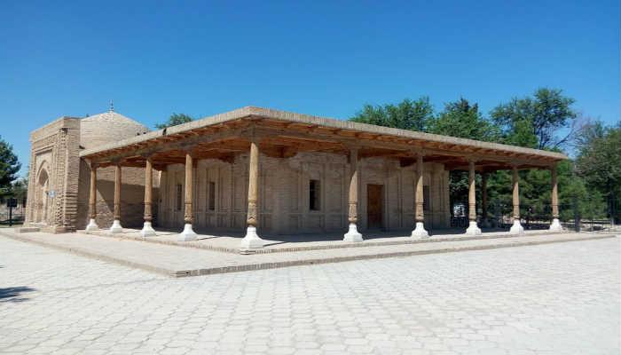 Айван мавзолея Мир Саид Бахром